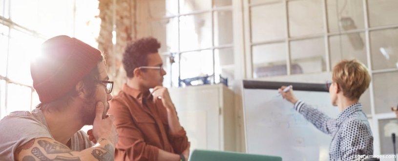 почему человек часто меняет работу
