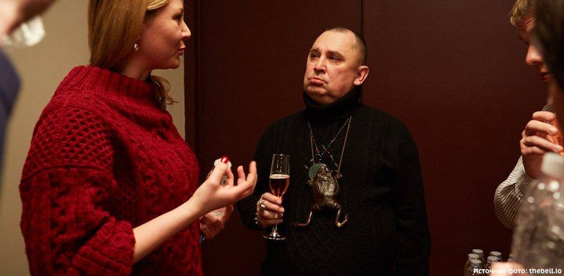 Андрей Трубников c бокалом шампанского